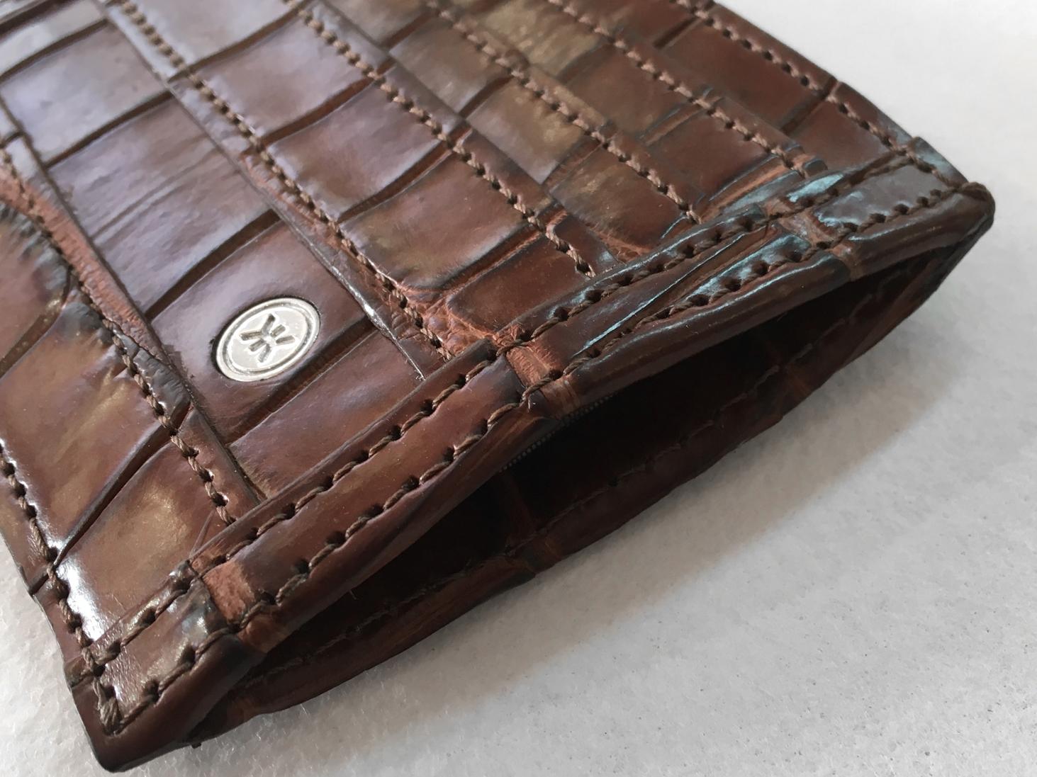 Crocodile wallet side